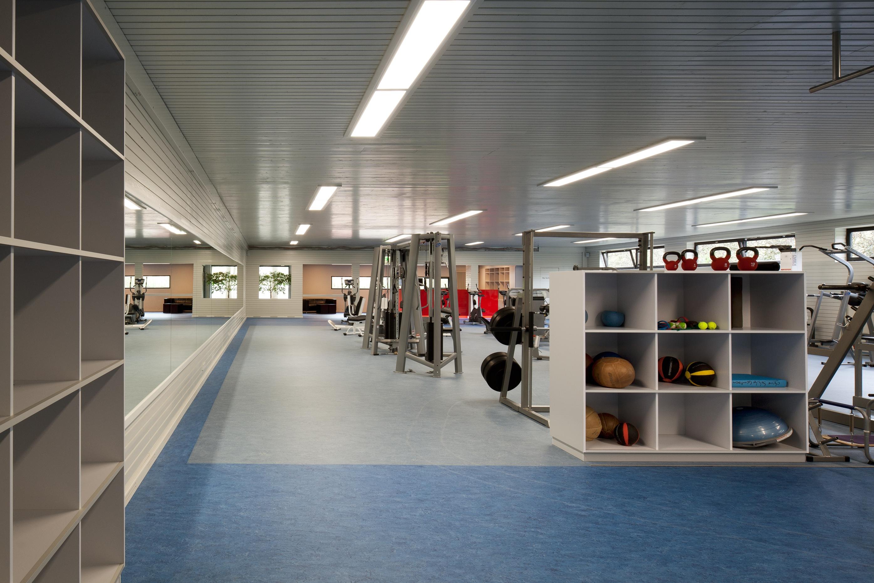 ffnungszeiten fitness gesundheitszentrum fgz. Black Bedroom Furniture Sets. Home Design Ideas